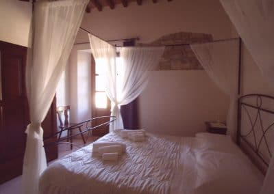 tuscany villa for rent,villa Le bolli Siena,romantic room